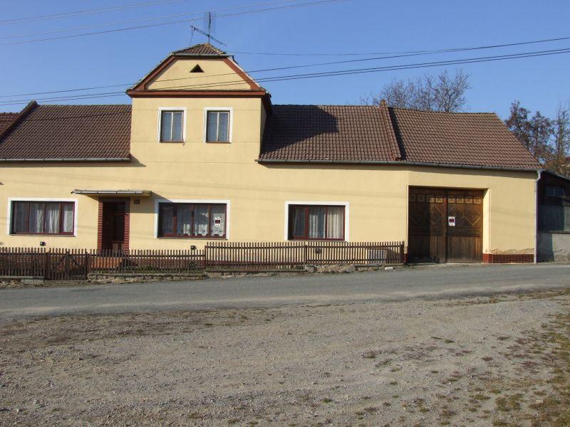 Prodej RD 4+1 s garáží, sklepem, hospodářskými přístavky v obci Stanoviště