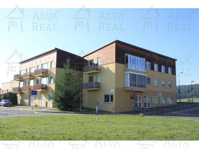 Društevní byt 3+kk s garážovým stáním, celková plocha 76,3 m2, balkon 3,0 m2