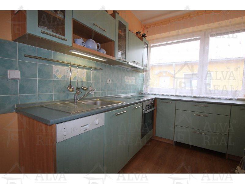 Družstevní byt 2+kk s garážovým stáním, celková plocha 55 m2, balkon 3,1 m2