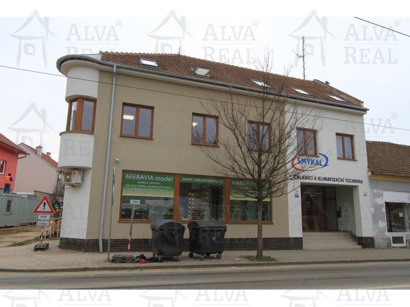 Nabízíme pronájem obchodních, kancelářských a skladových prostor - 95,35 m2 v přízemí, na ulici Táborská u zastávky. |  | Brno