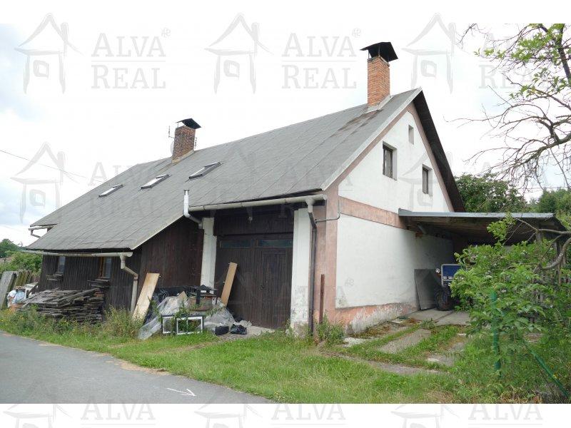 RD/chalupa 6+1 v obci Daňkovice, CP 809 m2, všechny IS.