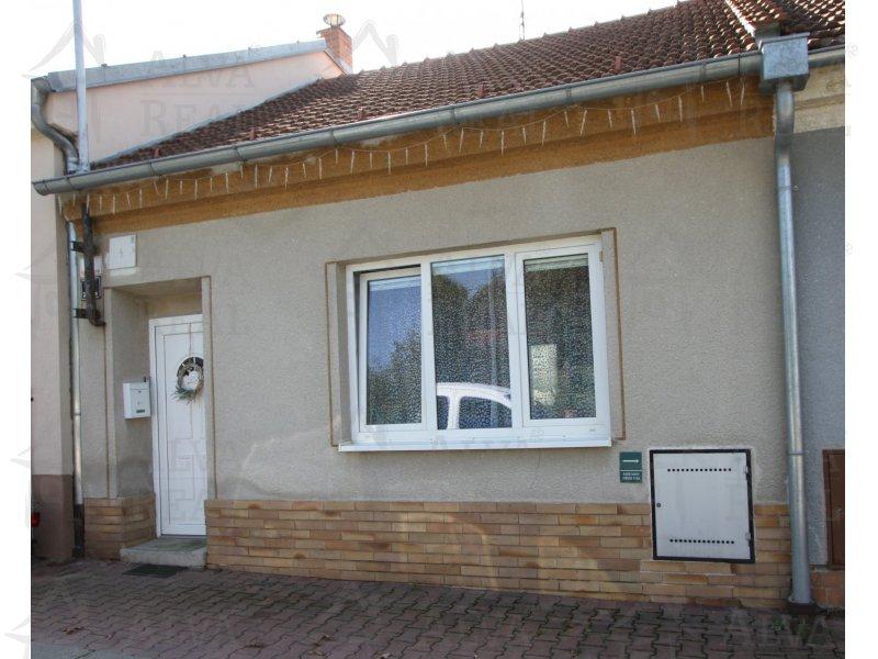 RD 2+1+pracovna Brno - Jehnice, možnost půdní vestavby, pozemek 192 m2 |  | Brno