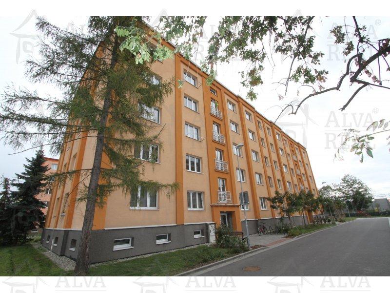 Nabízíme byt 2+1 v Prostějově, ulice Šárka se zděným jádrem, 1. patro, celková výměra 52 m2.