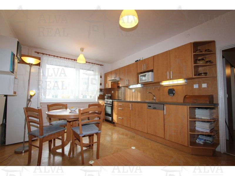 Prodej bytu v OV 3+kk v Adamově, ulice Petra Jilemnického, celková plocha 56,03 m2 s lodžií, 1. patro