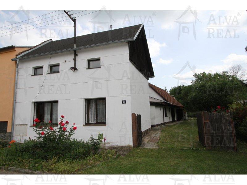 RD/chalupa 4+1 ve Chvalkovicích, s krásným pozemkem 454 m2, garáží, dílnou a vlastními studnami. |  | Chvalkovice
