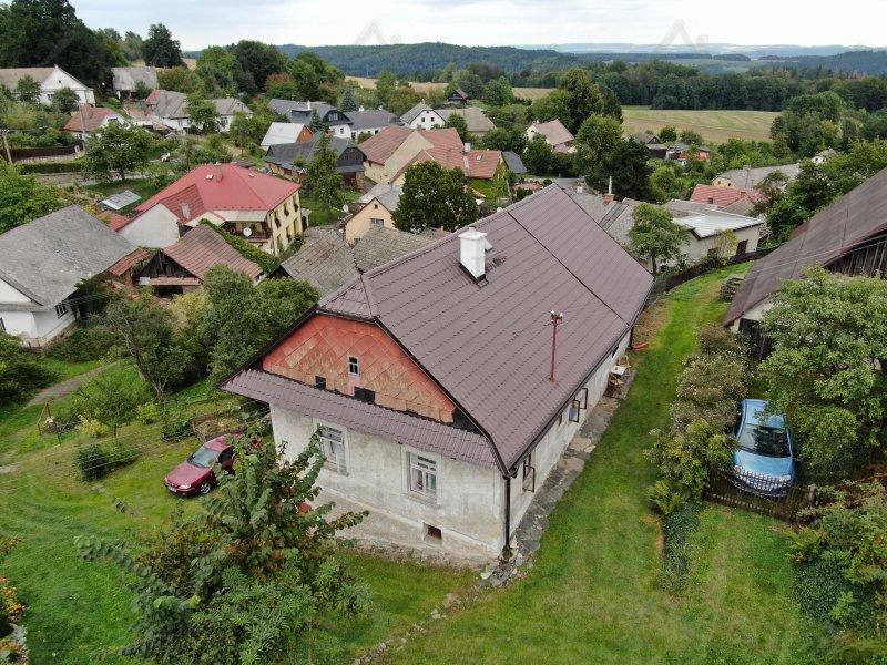 Zděná chalupa 1+1 se stodolou v Trpíně (Hlásnice), 50 km od Brna. Pozemek 400 m2. Plyn před domem.
