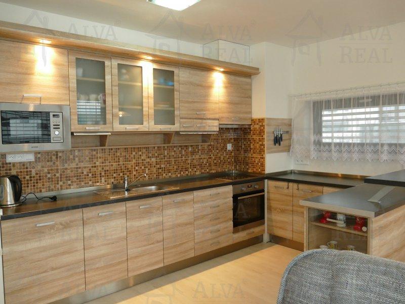 Dlouhodobý pronájem bytu 3+kk s lodžiemi a garážovým stáním, volný od 1. 7. 2021. |  | Brno