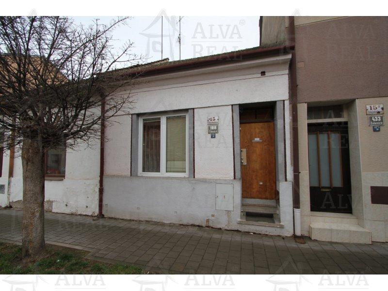 Nabízíme Vám dům 2+1 v Brně Židenicích, ul. Stejskalova, vytápění ÚT plyn, zahrada 40 m2 |  | Brno