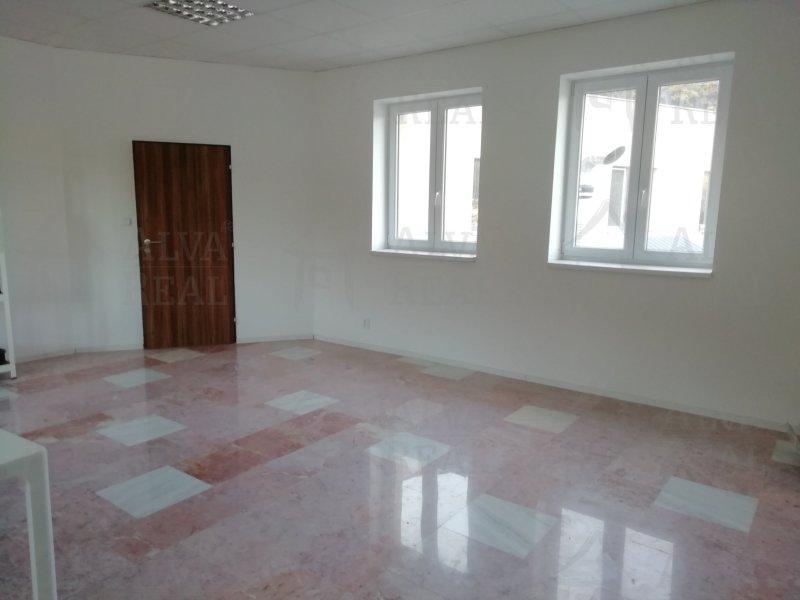 Pronájem 2 kanceláří, Bílovice nad Svitavou, plocha 66,5 m2 v nově rekonstruovaném areálu s parkováním. |  | Bílovice nad Svitavou