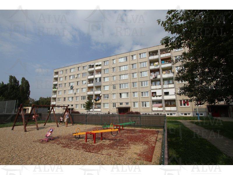 Družstevní byt 3+1 v Břeclavi na ulici Valtická, 66,89 m2, lodžie, 2. patro. |  | Břeclav