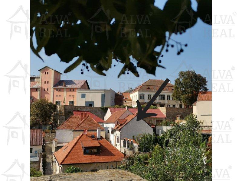 Památkově chráněný dům 1+1 v historické části města Znojma nedaleko rotundy sv. Kateřiny, a Kostela sv. Mikuláše, r.v.2005
