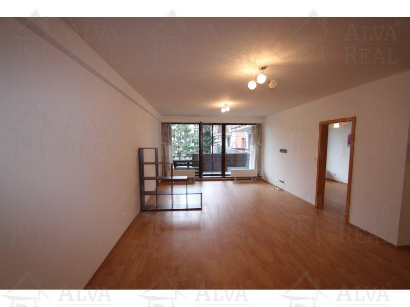 Nabízíme k pronájmu byt 2+kk 80 m2