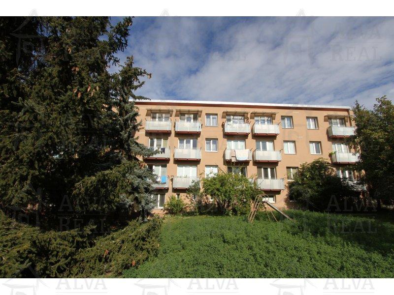 Pronájem bytu 3+1 v Brně, Židenicích, ul. Špačkova pod Bílou horou. Celkově 73 m2.