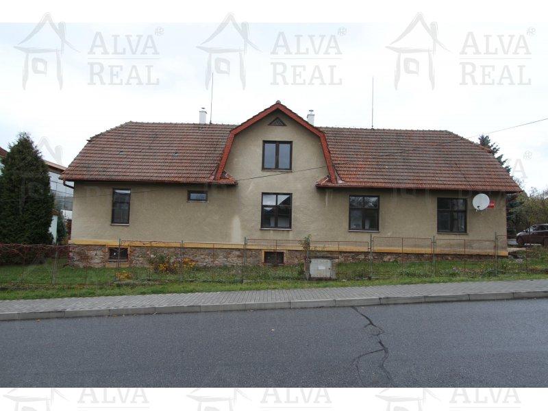 Nabízíme k prodeji rodinný dům v klidné části Bystřice nad Pernštejnem.