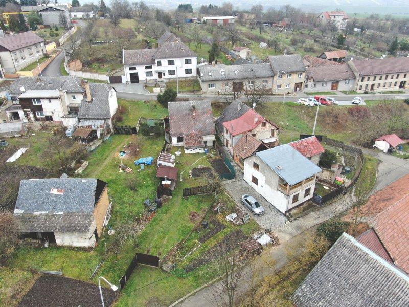 RD/chalupa 2+1 Troubky - Zdislavice, zahrada, vjezd, studna, k trvalému bydlení i k rekreaci.