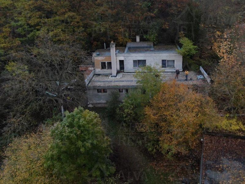 Pozemek s domem v Židenicích pod Vinohrady, ul. Údolíček s celkovou výměrou 8052 m2 |  | Brno