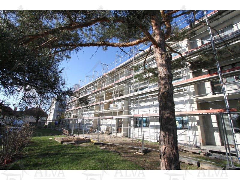 Byt v OV v cihlovém domě 2+1, Náměšť nad Oslavou, ul. Petra Křičky s balkonem, celková výměra 55,4 m2, 2 sklepní prostory, 1. p.