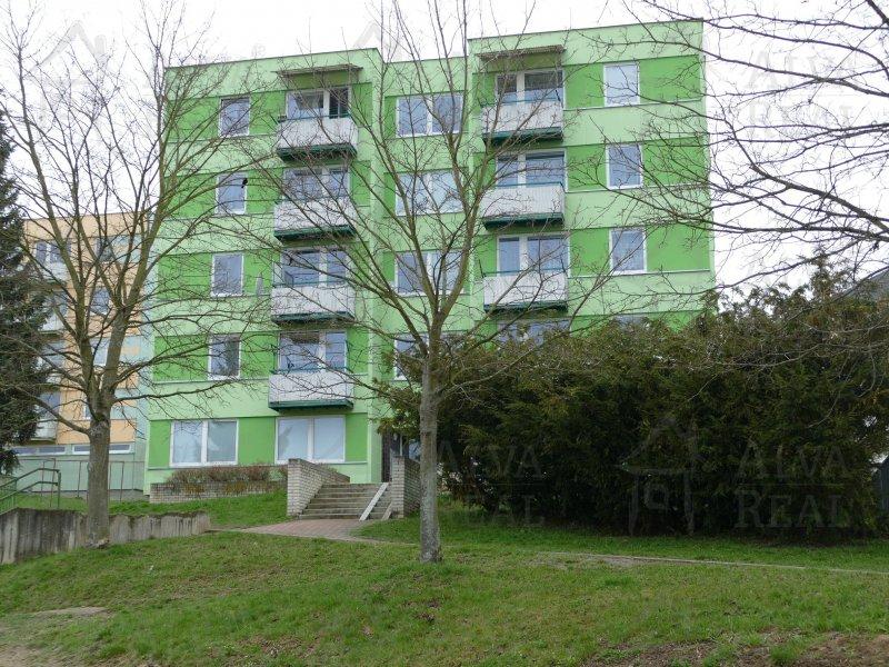 Byt v OV 3+1 po rekonstrukci v Pelhřimově, CP 68,85 m2, balkon, výtah, sklep, výhled do zeleně.