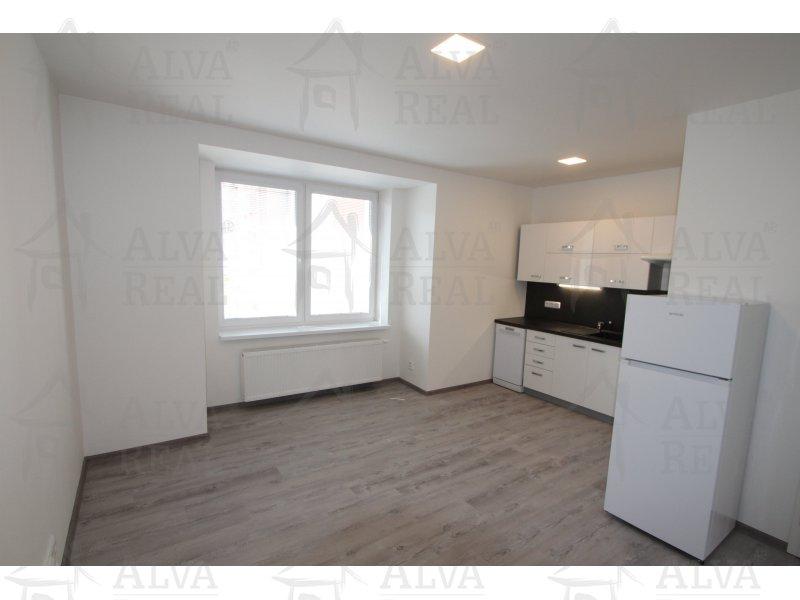 Nabízíme k pronájmu byt 2+kk po celkové rekonstrukci.