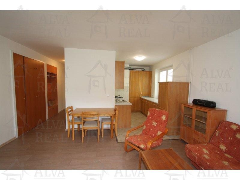 Nabízíme byt 3+kk v Brně, ul. Slatinská v Židenicích pod Bílou horou ve 2.NP, celková plocha vč. balkonu a sklepu 79 m2.