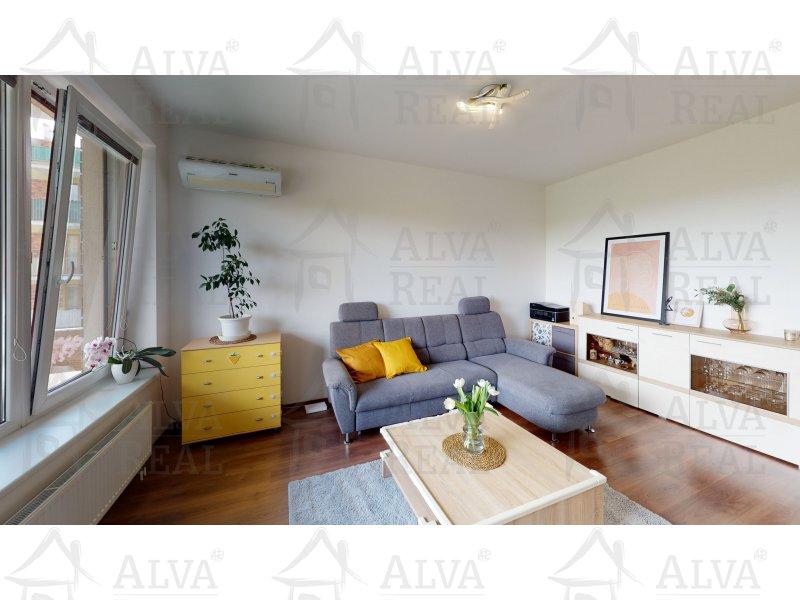 Byt 2+kk v Brně ve Starém Lískovci, ul. U Leskavy, 57 m2, 3. NP, balkon, garážové stání.