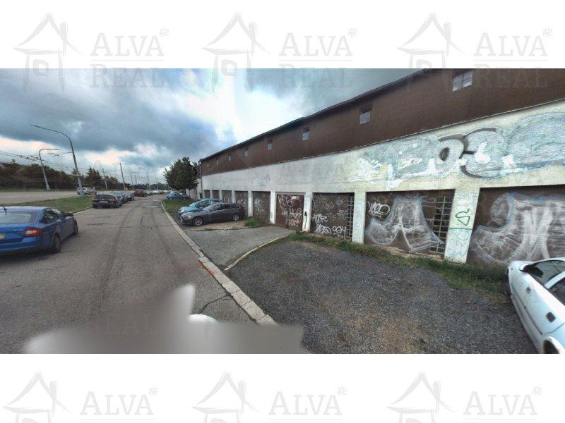 Dlouhodobý pronájem garáže v Brně na Vinohradech na ul. Věstonická, ve zděném komplexu, volná ihned.